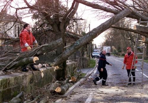 Meteo-France-Comme-en-1999-alerte-rouge-dans-le-Sud-Ouest_article_landscape_pm_v8
